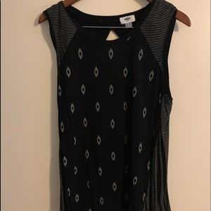 Black muscle tee tank from Old Navy